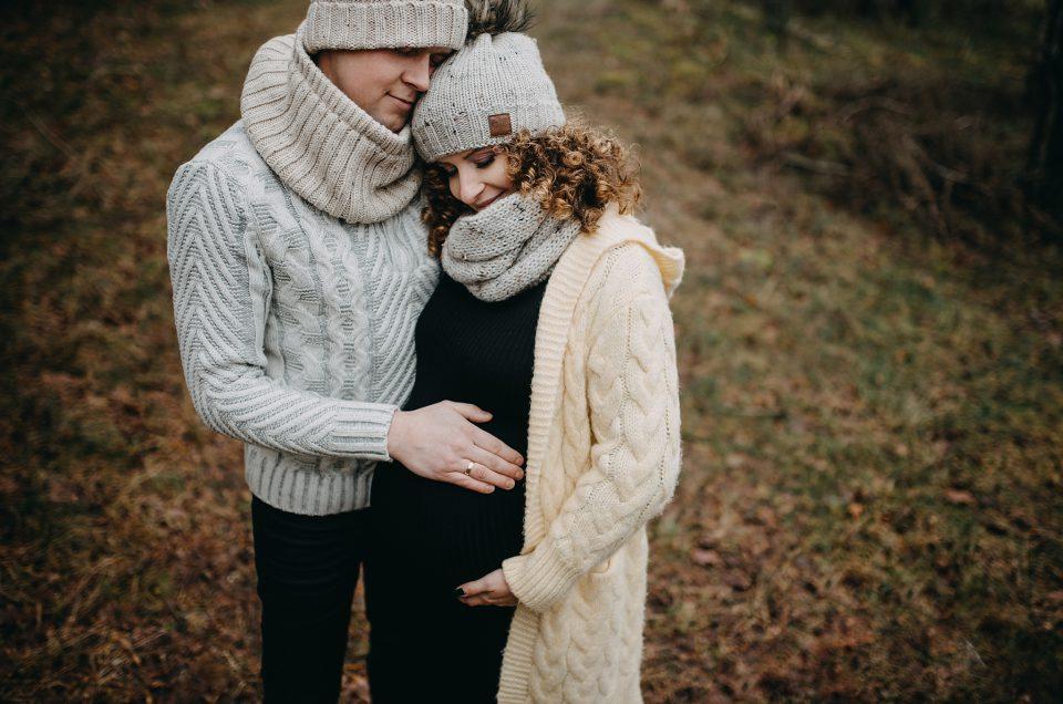 Sesja ciążowa w leśnym klimacie